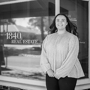 1840 Real Estate Agent Abbey